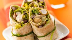#Chicken wrap with red kidney beans - An easy #Mexican #recipe you can't miss - http://www.finedininglovers.com/recipes/brunch/mexican-recipes-chicken-wrap/