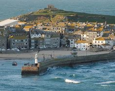 St. Ives Island and Harbour - idyllic villages in Cornwall
