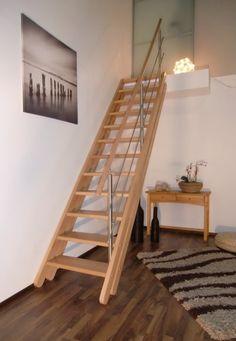 Raumspartreppe Mainz mit vollen Stufen und Edelstahlgeländer passt sich automatisch an jede Geschoßhöhe an