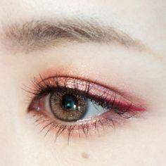 MAKE LESSON | おしゃれな色気が漂う秋色艶めきアイ|DAZZSHOP eye make & cosmetics - ダズショップ公式オンラインストア