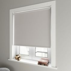 Blackout Blinds for the Bedroom Read why you need a blackout blind in your bedroom this summer! Blinds For Windows Living Rooms, Bedroom Blinds, House Blinds, My New Room, My Room, Girl Room, Curtains With Blinds, Drapes Curtains, Window Blinds