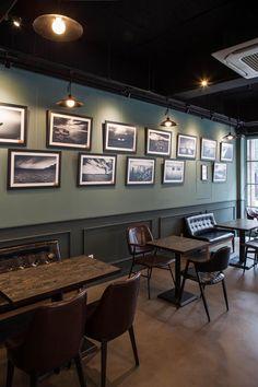 Pub Interior, Bar Interior Design, Restaurant Interior Design, Interior Exterior, Brewery Design, Pub Design, Coffee Shop Design, Deco Restaurant, Rooftop Restaurant