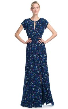 It's hard finding beautiful modest dresses these days... This is SO cute!