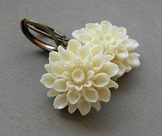 Dangle Earrings – Ivory Dahlia. Earrings. – a unique product by Maymana on DaWanda