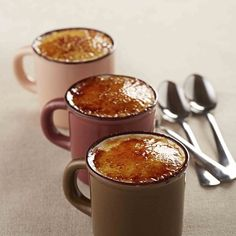 Crème brûlée au micro-ondes faire mn par mn pour mon four cela était cuit Mug Recipes, Sweet Recipes, Dessert Recipes, Easy Cooking, Cooking Time, Cooking Recipes, Dessert Micro Onde, Mug Cakes, Delicious Desserts