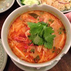 久々のクルンサイムのトムヤンラーメン。(O_O) 絶品。 I went to Thai food restaurant at Jiyuugaoka. #thaifood #food #lunch - @bugs_life- #webstagram