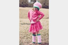 Crochet this sweet hat and legwarmers and have the cutest little gal in town! The pattern includes multiple sizes for the hat (newborn to . Crochet Kids Hats, Crochet Baby Booties, Crochet Crafts, Crochet Doilies, Free Crochet, Kids Wear, Ravelry, Free Pattern, Crochet Patterns