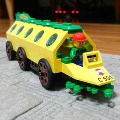 LEGOバス発進。