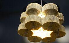 This stunning chandelier made of books unused. British designer Lucy Norman has created a chandelier Light Reading. Cool Chandeliers, Chandelier Lighting, Chandelier Creative, Paper Chandelier, Book Furniture, Diy Luminaire, Nachhaltiges Design, Creative Design, Design Ideas