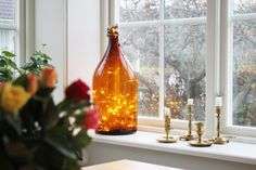 bottle with lights. Christmas Feeling, Merry Little Christmas, Christmas And New Year, Bottle Lights, Autumn Inspiration, Diy And Crafts, Christmas Decorations, Candles, Creative