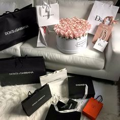 ♡ my future lavish rich life, luxe life и rich lifestyle Birthday Haul, Birthday Goals, 31 Birthday, Birthday Ideas, Boujee Lifestyle, Luxury Lifestyle Fashion, Wealthy Lifestyle, Billionaire Lifestyle, Urban Outfitters Outfit