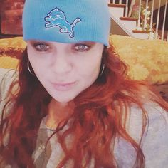 It's about that time Lions fans! I got my lucky hat on. #mondaynightfootball #detroit #lions #Michigan #michigangirl #singlemom #lifestyleblogger #football #nfceast #lehgo #areyoureadyforsomefootball