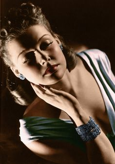 I love the lighting of this photograph    Ann Sheridan