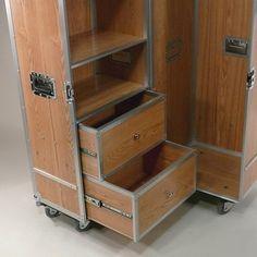 Flightcase Schrank auf Rollen, WardrobeCase Elm Wood bei fabrikschick.de