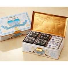 Hokkaido Kumazasahonpo: Valentine's Day justice scattering unit packing large quantities ISHIYA (Ishiya Co.) with 54 pieces of white lovers Japanese Chocolate, Galletas Cookies, Valentines Day, Decorative Boxes, Packing, Marketing, Stuff To Buy, Count, Live
