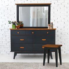 Meja Rias Blue Milano murah dan berkualitas. Jual furniture Meja Rias Blue Milano terbaru pilihan model unik dan bahan berkualitas di Livien Furniture