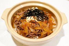 10分鐘快手晚餐 - 壽喜燒牛丼蓋飯食譜@矽谷美味人妻 - 《新假期》雜誌官方網站
