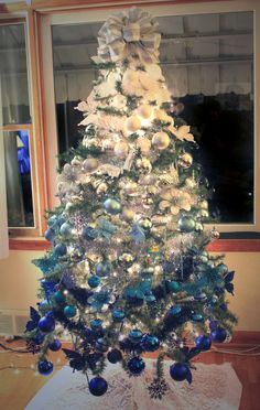 Blue and white ombre Christmas tree 2014