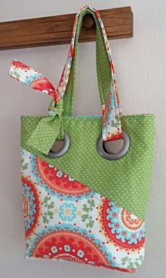 Shoulder BagTote Hand Bag Circle Floral by SewTwistedSisters too cute!