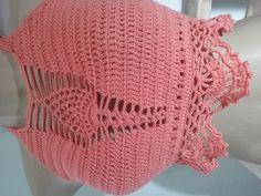 crooped crochê (parte 1) Crochet Crop Top, Crochet Tops, Free Crochet, Crochet Bikini, Knit Crochet, Parte Superior Del Bikini, Knitting Patterns, Crochet Patterns, Bustier