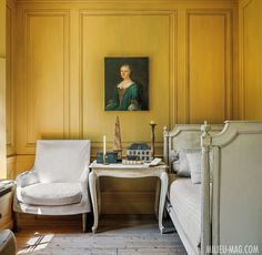 Home Interior Classic Rustic, Vintage, Shabby Charm December 2018 Yellow Interior, French Interior, Classic Interior, French Daybed, Ivy House, Interior Decorating, Interior Design, French Country Decorating, Elegant Homes