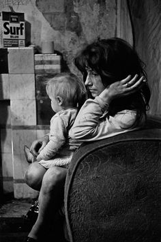 Shocking Photos of Newcastle 1969 - 1972 by Nick Hedges - Flashbak Newcastle, Birmingham, Rock And Roll, Liverpool Home, Salford, Slums, Poor Children, Modern Photography, Working Class
