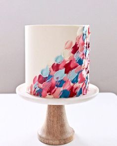This spatula painted cake by cakebycourtney is such a unique and simple technique! learn more about the spatula striping technique and violet cascade cake wilton Wilton Cake Decorating, Cake Decorating Designs, Birthday Cake Decorating, Cake Decorating Techniques, Simple Cake Decorating, Decorating Tips, Birthday Cake For Women Simple, Birthday Cakes For Teens, Pretty Birthday Cakes