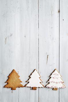 Christmas tree cookies by Ruth Black - Christmas, Cookie - Stocksy United Black Christmas, Christmas 2019, Christmas And New Year, All Things Christmas, Xmas, Christmas Biscuits, Christmas Tree Cookies, Christmas Tree Themes, Baking Wallpaper