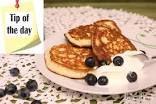 Clatite pufoase din faina de cocos - fara gluten si low-carb - LaLena.ro Sin Gluten, Coco, Pancakes, Breakfast, Glutenfree, Morning Coffee, Gluten Free, Pancake, Crepes