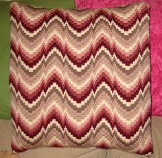 Tips for Those Beginning to Crochet Broderie Bargello, Bargello Needlepoint, Bargello Quilts, Needlepoint Pillows, Needlepoint Designs, Needlepoint Stitches, Needlework, Hardanger Embroidery, Folk Embroidery