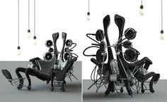 futureistic chair http://www.topchairdesign.com/wp-content/uploads/2011/03/Futuristic-chairs-for-the-future-by-Eduardo-McIntosh.jpg