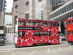Marimekko valloittaa Kiinaa, ensimmäinen myymälä avattiin Hongkongiin 3.5.2012.  Marimekko tram in Hongkong 2012