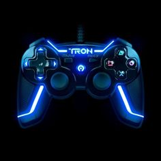 TRON Wired Controller for PlayStation 3 Collector's Edition - Gamer House Ideas 2019 - 2020 Ps4 Controller Custom, Xbox One Controller, Playstation, Control Ps4, Video Game Rooms, Video Games, Game Wallpaper Iphone, Nintendo Switch Accessories, Custom Consoles