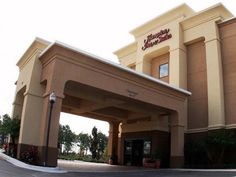 Orlando (FL) Hampton Inn And Suites Orlando John Young Parkway South Park United States, North America Hampton Inn And Suites Orlando John Young Parkway is perfectly located for both business and leisure guests in Orlando (FL). Featuring a complete list of amenities, guests will find their stay at the property a comfortable one. Service-minded staff will welcome and guide you at the Hampton Inn And Suites Orlando John Young Parkway . Designed for comfort, selected guestrooms o...