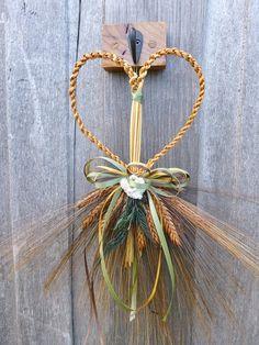 WHEAT WEAVING Straw HEART on decorative by WoodsorrelDixie on Etsy
