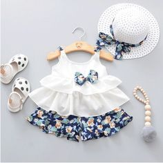 Baby clothes Summer Baby Girl Clothes Strap Bow Vest + Floral Shorts + Fashion Hat Set Baby Clothing Suit For Girls Clothes Cheap Girls Clothes, Dresses Kids Girl, Cute Baby Clothes, Kids Outfits, Summer Clothes, Baby Outfits Newborn, Baby Girl Newborn, Baby Girls, Toddler Girls