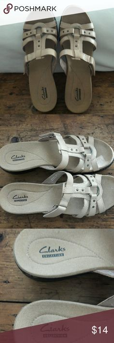 Shoes SANDALS  (CLARKS) These are newer sandals for woman by Clark's collection. Very lightweight with adjustable strap. In great condition. 🌻 Clarks Shoes Sandals