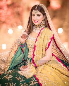 New bridal wear pakistani mehndi dress fashion ideas Pakistani Mehndi Dress, Asian Wedding Dress Pakistani, Bridal Mehndi Dresses, Pakistani Bridal Makeup, Pakistani Wedding Dresses, Bridal Outfits, Bridal Lehenga, Pakistani Clothing, Bride Dresses