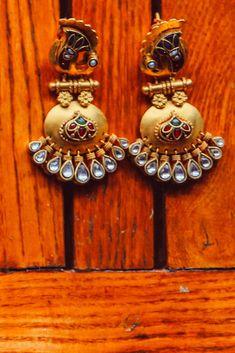 "Photo from album ""Wedding photography"" posted by photographer Sandeep Trivedi Wedding Earrings, Wedding Jewelry, Kundan Jewellery Set, Lehenga Wedding, Lehenga Saree, Wedding Preparation, Mehendi, Blouse Designs, Jewelry Sets"