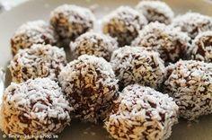 Recept - LCHF chokladbollar Lchf, Veggie Recipes, Healthy Recipes, Veggie Food, Healthy Food, Fika, Paleo Dessert, Veggies, Sweets