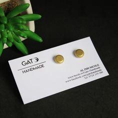 Cercei aurii cu platou de argint 925/Cercei argint cu surub de silicon/Cercei aurii | Breslo Place Cards, Place Card Holders, Collection