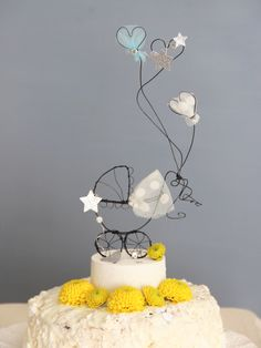 Born under a lucky starCake topper per battesimo con cullaWire and textile unique handmade creations with a soul Wedding, Events,Kids decor For kind hearts only Rustic Cake Toppers, Custom Wedding Cake Toppers, Personalized Cake Toppers, Wire Crafts, Diy And Crafts, Art Fil, Cake Accessories, Balloon Flowers, Idee Diy