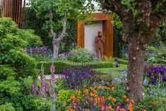 The Healthy Cities Garden / Chris Beardshaw Morgan Stanley at the Chelsea Flower Show 2015 / RHS Gardening