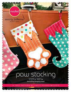 Free paw stocking pattern by Patty Young. Join the Modkid Fan Facebook group to download. https://m.facebook.com/groups/302539649923319?ref=bookmarks