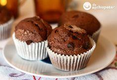 Y para desayunar y acompañar un buen café, magdalenas de chocolate http://www.recetasderechupete.com/como-preparar-magdalenas-de-chocolate-tres-recetas-distintas/8355/ #receta #derechupete...ELECTRA