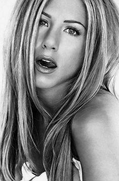 Hollywood Hot and Super star Actress Jennifer Aniston - Superstar - Zimbio Her eyebrows! Jennifer Aniston Style, Jennifer Aniston Fotos, Peinados Jennifer Aniston, Jennifer Aniston Pictures, Rachel Green, Celebrity Wedding Dresses, Celebrity Weddings, Brad Pitt, Gq