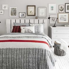 Exclusively from Simons Maison Trendy accent stripe and graphic ribbed knit similar to the renowned wool socks for an original decorative touch! White Duvet Covers, Duvet Cover Sets, Manta Crochet, Home Decor Bedroom, Master Bedroom, Master Suite, Online Home Decor Stores, Online Shopping, Luxury Bedding