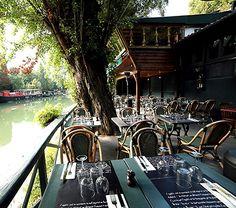 Les Pieds dans l'eau  39 Boulevard du Parc, Neuilly-sur-Seine Métro Pont de Neuilly Du lundi au vendredi de 12h à 15h puis de 19h à minuit, le samedi de 19h à minuit.