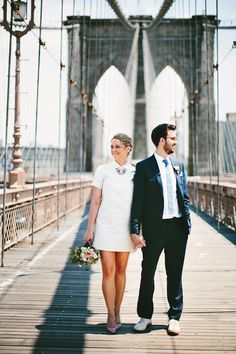 you can't beat wedding portraits on the Brooklyn Bridge! photo by Pat Furey http://ruffledblog.com/williamsburg-brooklyn-elopement #brooklyn #wedding