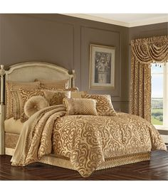 Gold Comforter Set, Teal Bedding, Queen Comforter Sets, Bedding Sets, Queens New York, Queen News, Bedding Collections, Luxury Bedding, Decoration